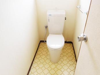 トイレの掃除が楽になり、洗面台の収納も増え、便利になって感謝しています。