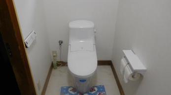 とても明るく、広々したトイレになりました。
